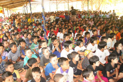 OH Myanmar Christmas with 1200 orphans